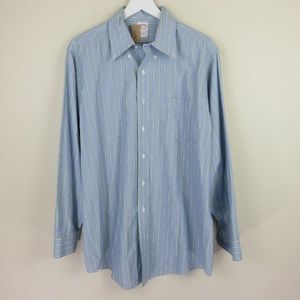 Traditional Fit Button Down Collar Dress Shirt